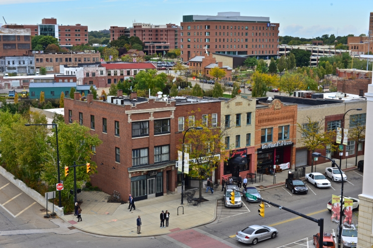 S Main cityscape