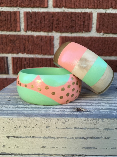 painting wooden bangles
